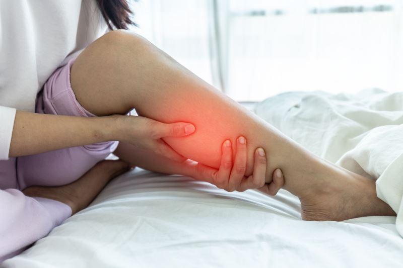Πόνος στα πόδια: Τι μπορεί να υποδηλώνει και πως αντιμετωπίζεται;4 min read