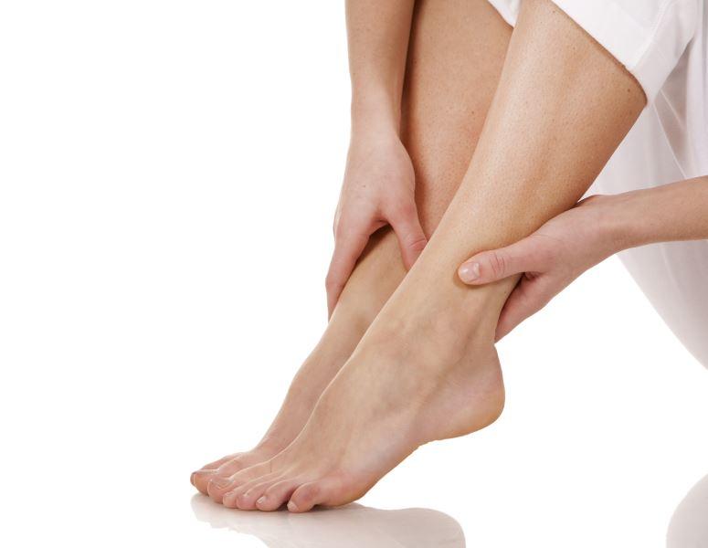 Πρησμένα πόδια και αγγειακές παθήσεις: Πώς σχετίζονται;4 min read